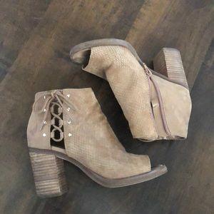 Nine West chunky heel peep toes